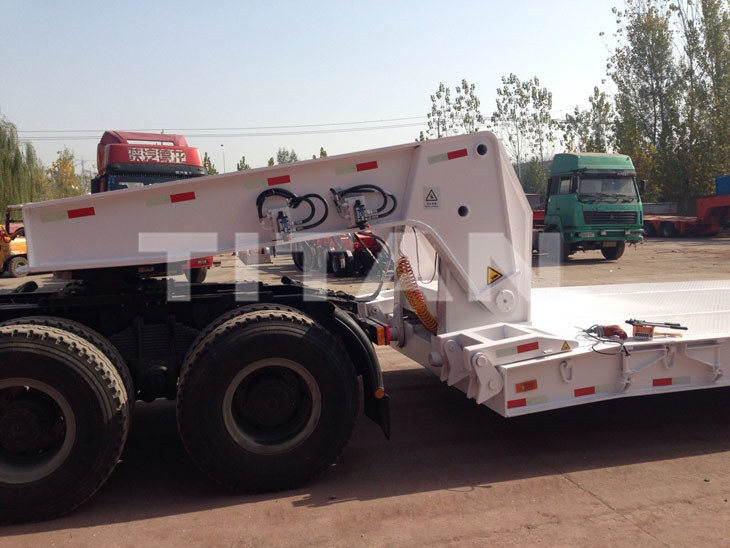 100 Ton Hydraulic Removeable Gooseneck Lowbed Trailer (4).jpg