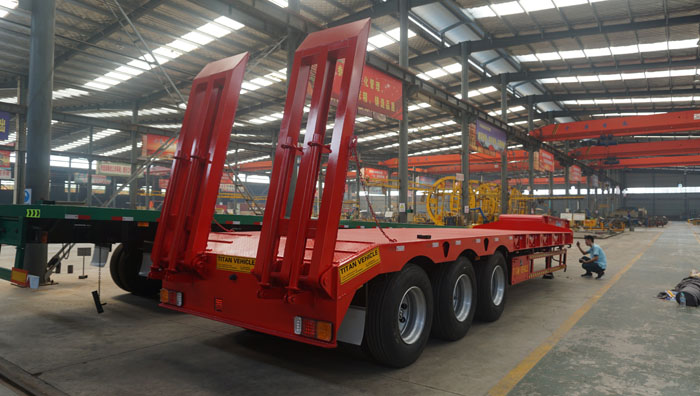 60 Ton Lowbed Trailer 3 Axles (2).jpg